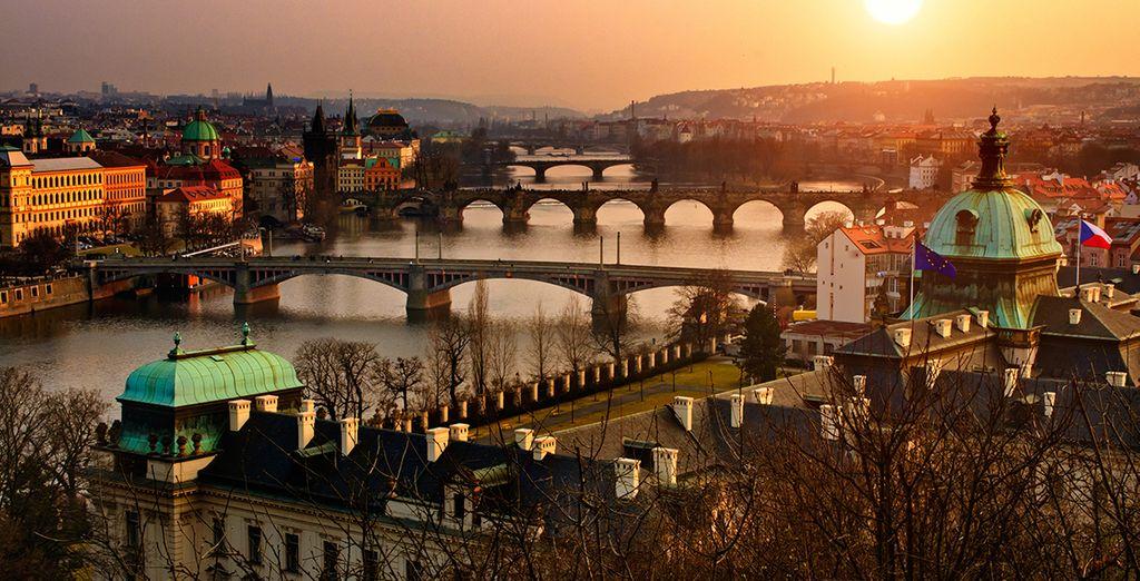 Praga es capital de la Bohemia central