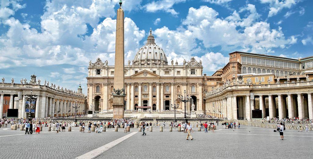 La Plaza de San Pedro del Vaticano