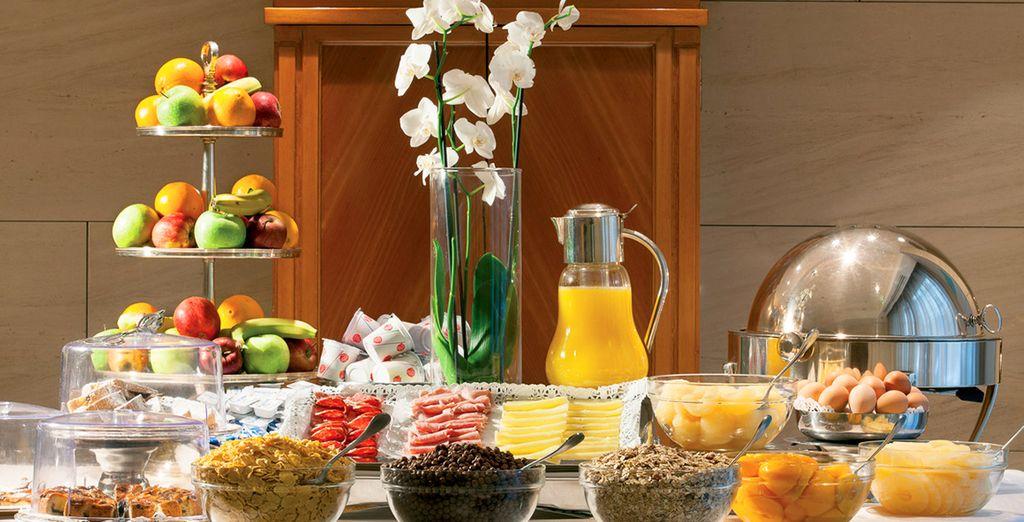 Cada día se sirve un abundante desayuno buffet