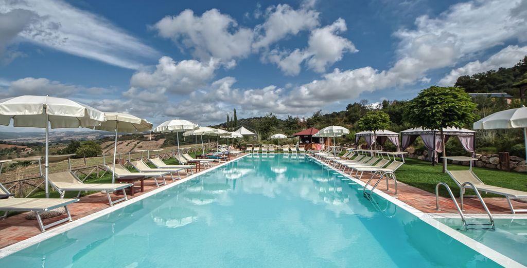 Su piscina está abierta en los meses de verano