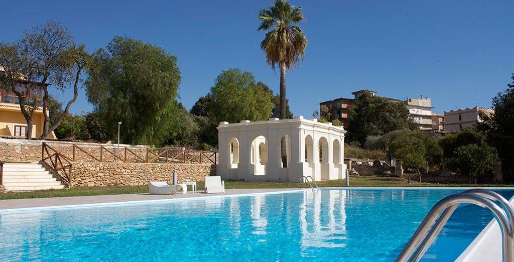 Admira la vista de los atardeceres mediterráneos