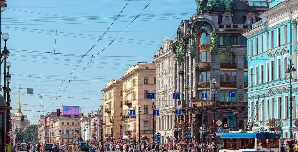 Pasearás por la conocida avenida Nevsky