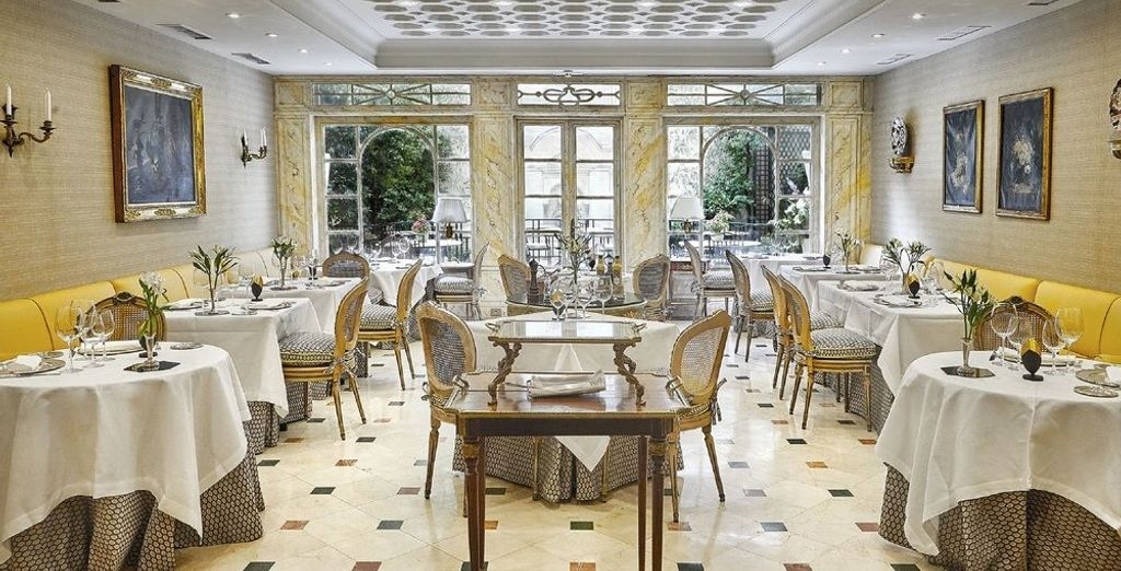 Totalmente ambientado y decorado en el siglo XIX