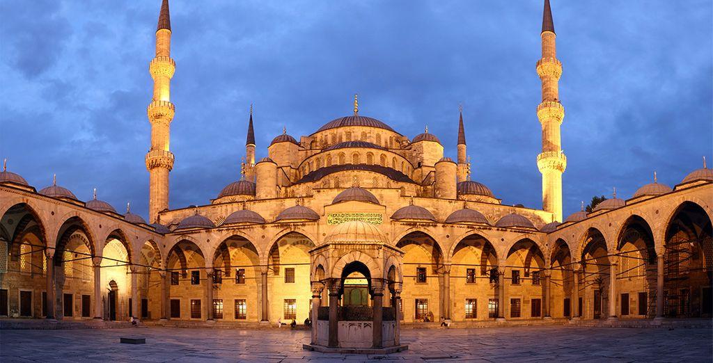 Descubre la Mezquita Azul