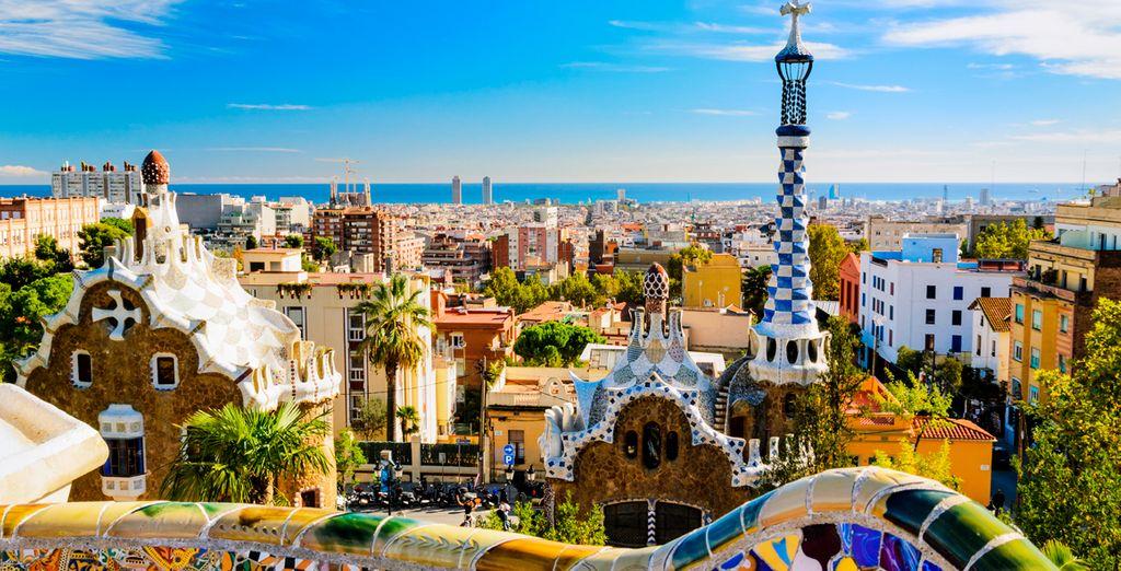 Parc Güell, un pequeño paraíso diseñado por Gaudí dentro de esta cosmopolita ciudad