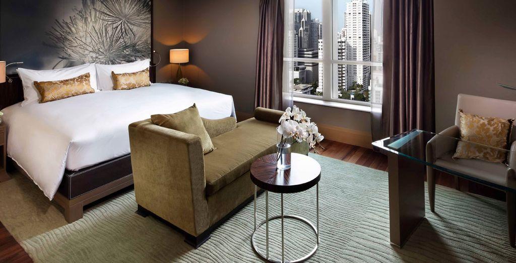 Relájese en su ampia habitación en Bangkok