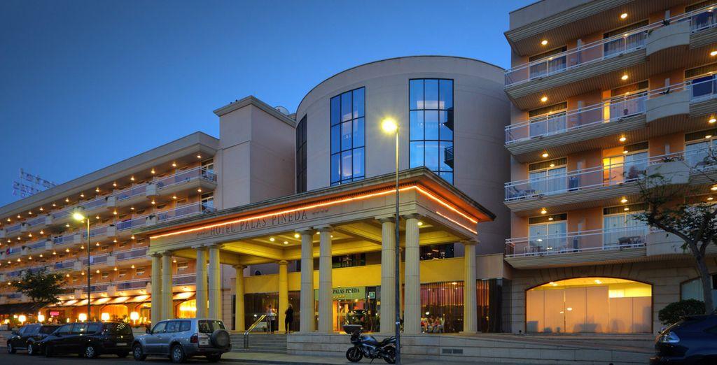 Hotel Palas Pineda 4*