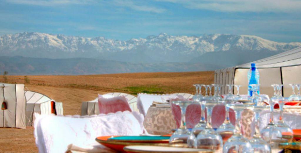 Disfrute de comidas y cenas al aire libre