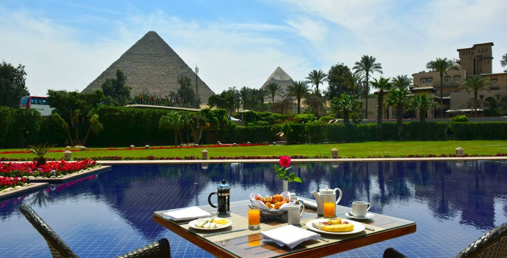 En El Cairo, se alojará en el fantástico Mena House 5*