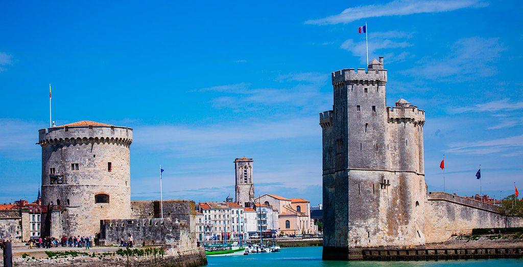 Acércate a la linda localidad de La Rochelle...