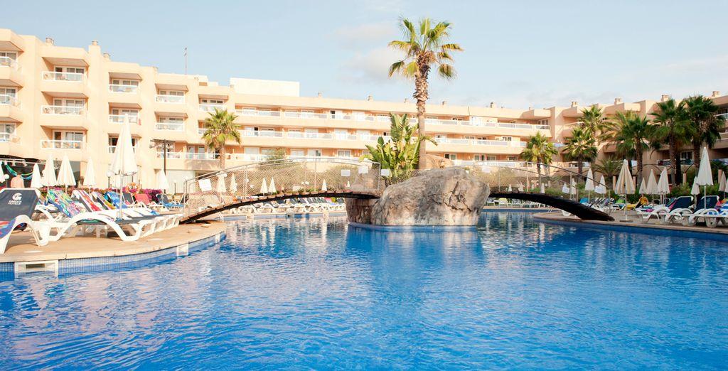 Una inmensa piscina para disfrutar del verano
