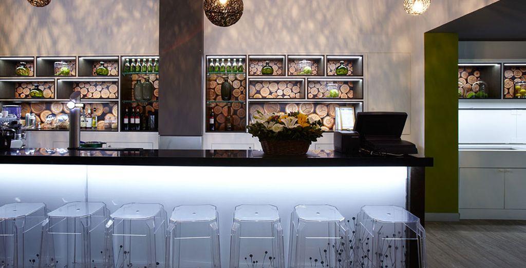 Offrez-vous un verre au Green Bar de l'hôtel