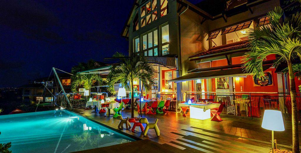 Et passez la porte d'un des hôtels les plus arty et acidulé de l'île !