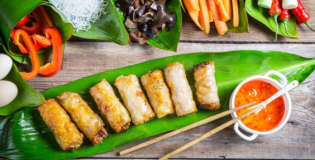 Vous en profiterez pour vous initier aux recettes vietnamiennes lors d'un cours de cuisine