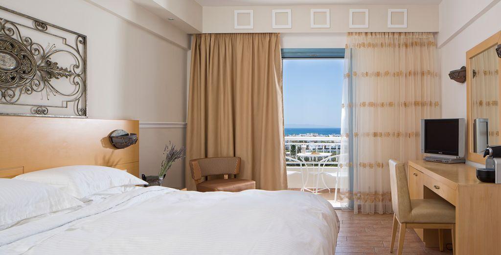 En chambre Ariadni, vous bénéficiez de la vue sur la mer