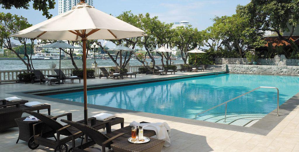 Hôtel haut de gamme 5 étoiles avec piscine et espace détente