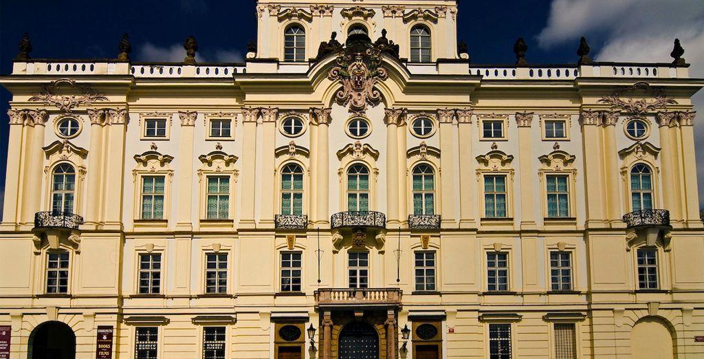 et le château de Prague.