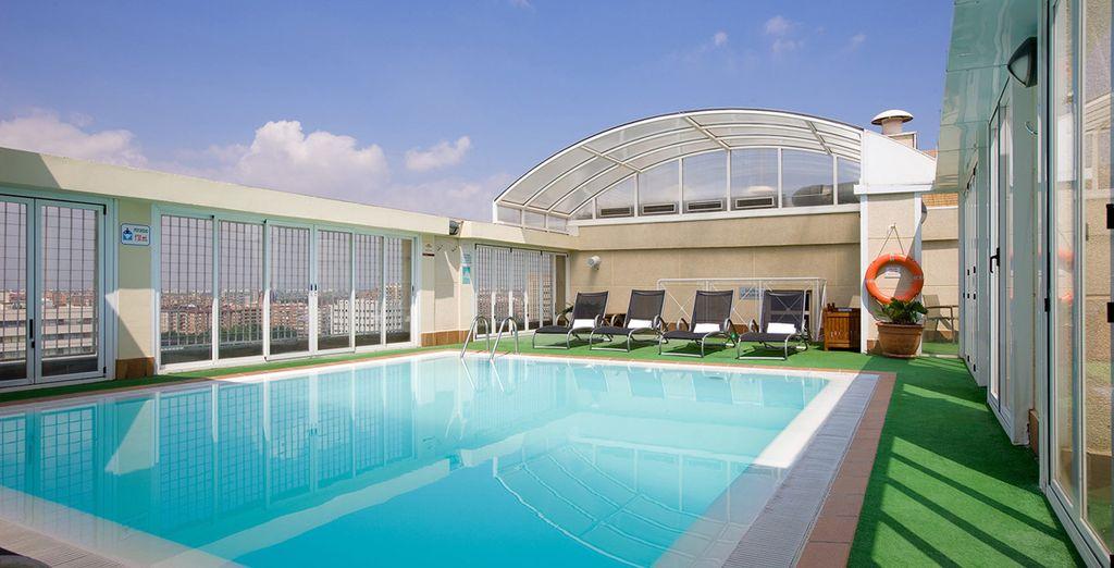 Détendez-vous dans la piscine chauffée...