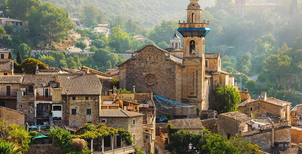 Et partez sur les traces du sublime village de Valldemossa