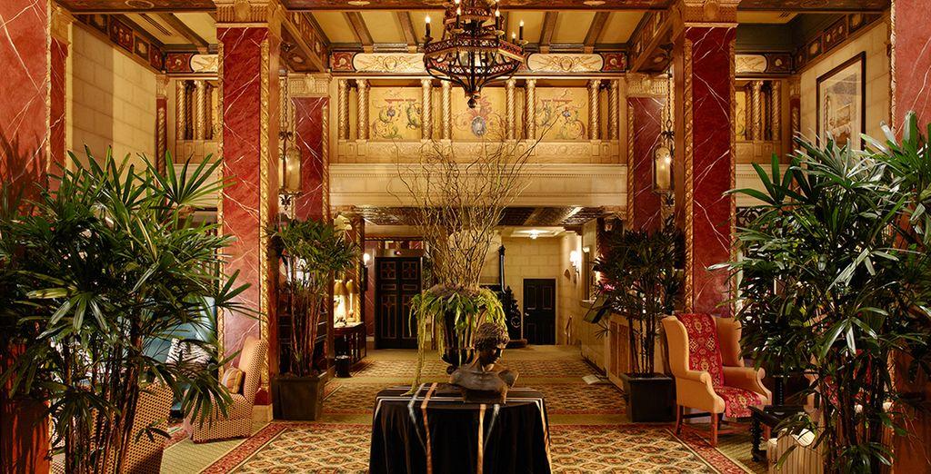 Et découvrez le faste de l'hôtel Serrano 4*