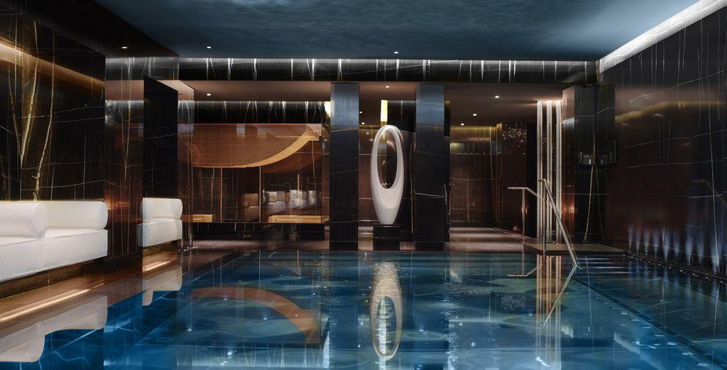 Hôtel haut de gamme avec piscine intérieure, spa et espace détente à Londres