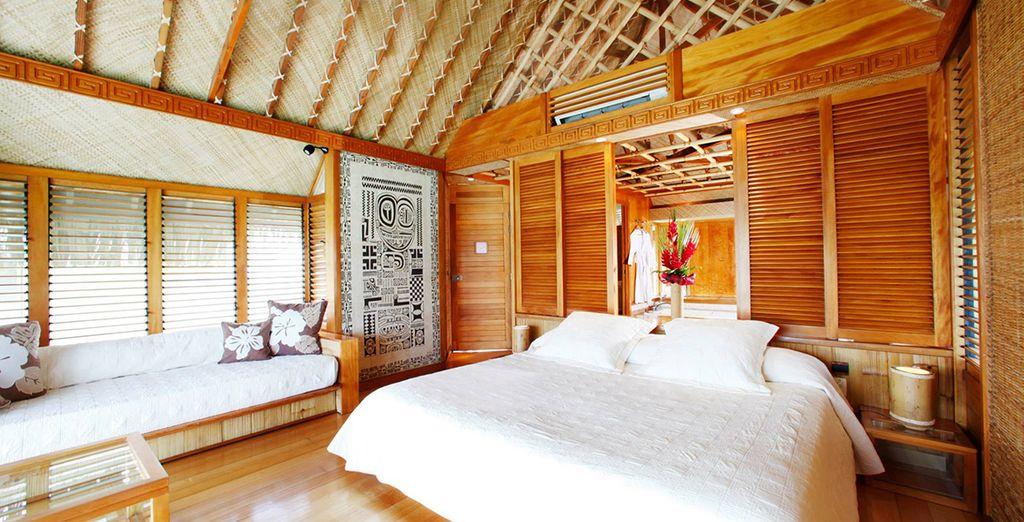 Vous pourrez vous laisser tenter par le bungalow sur pilotis à Moorea et Bora Bora
