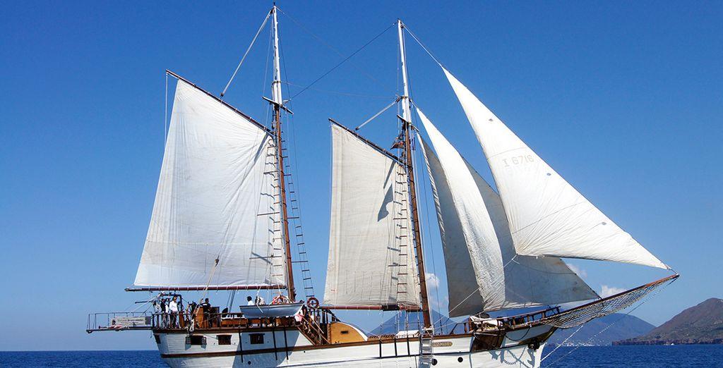 Embarquez pour une croisière - Croisière îles Éoliennes avec le Capitaine Felice  Catane