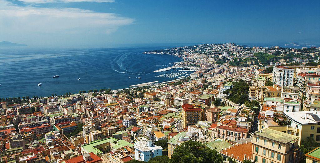Ensuite, partez à la découverte du charme typique de Naples...