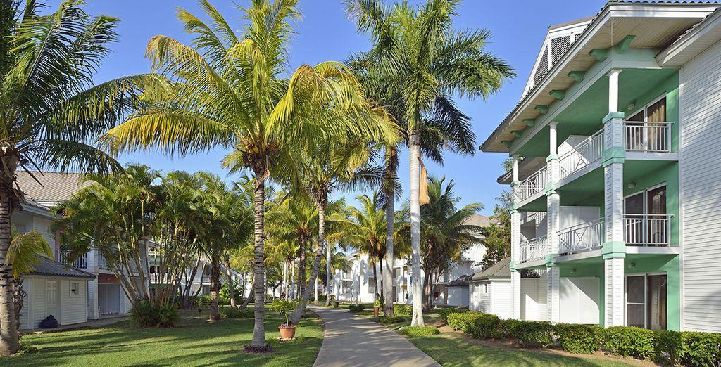 Ce ravissant hôtel prend place au sein d'un jardin tropical luxuriant