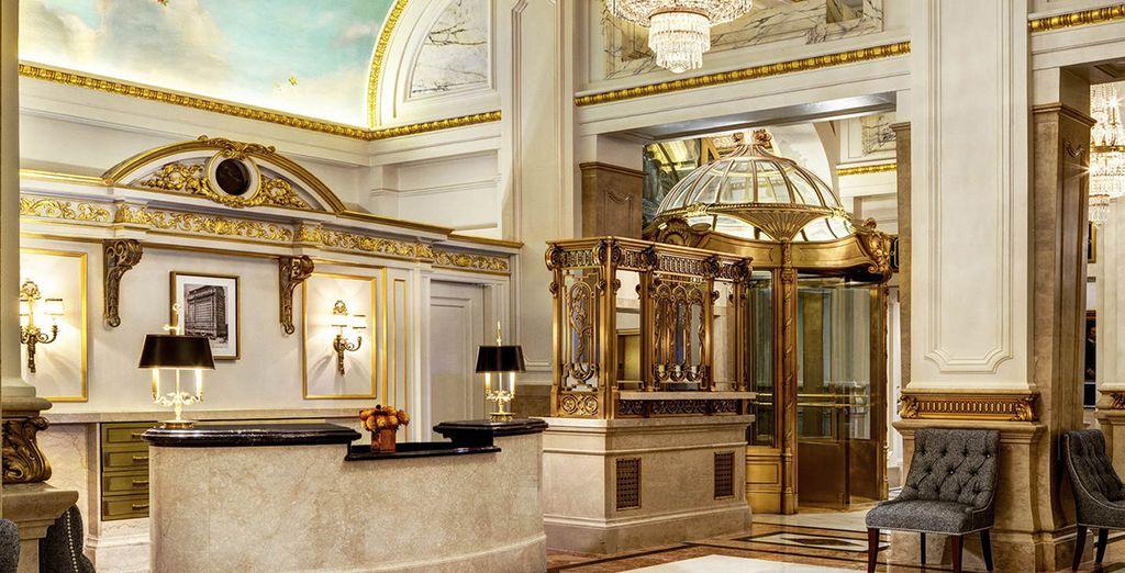 Entrez dans un univers de luxe et de glamour...