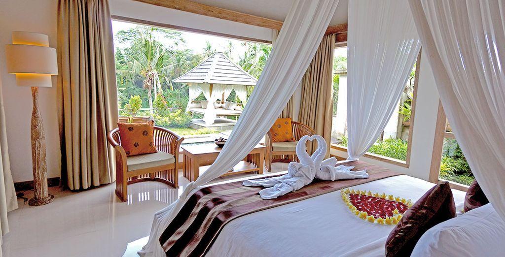 Posez vos valises en chambre Klusa Pool Villa