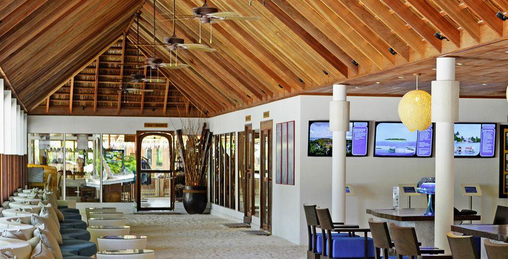 Vous aurez les pieds dans le sable dès votre arrivée au Meeru Island Resort & Spa !