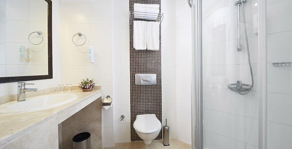 Prolongée d'une agréable salle de bains