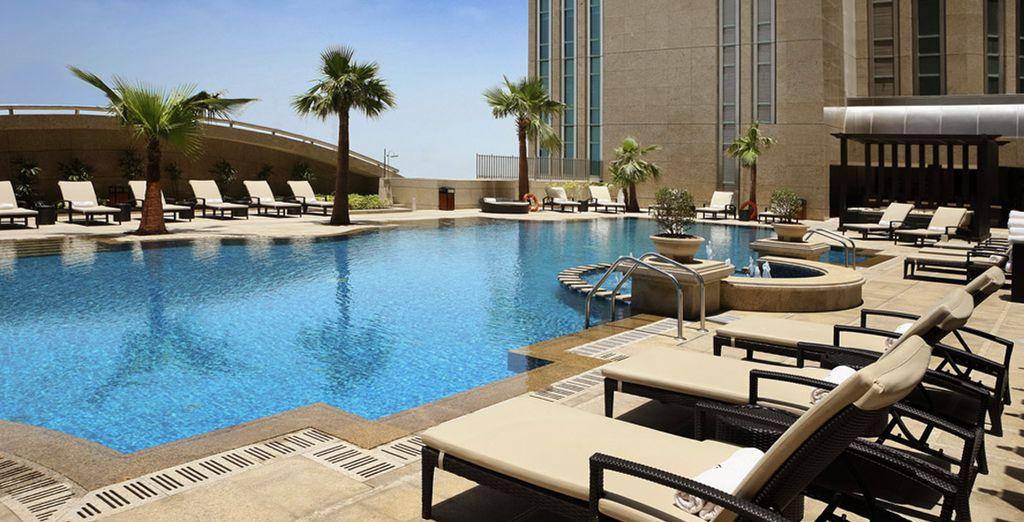 Pour encore plus d'évasion, choisissez de débuter votre voyage par un séjour de rêve à Abu Dhabi