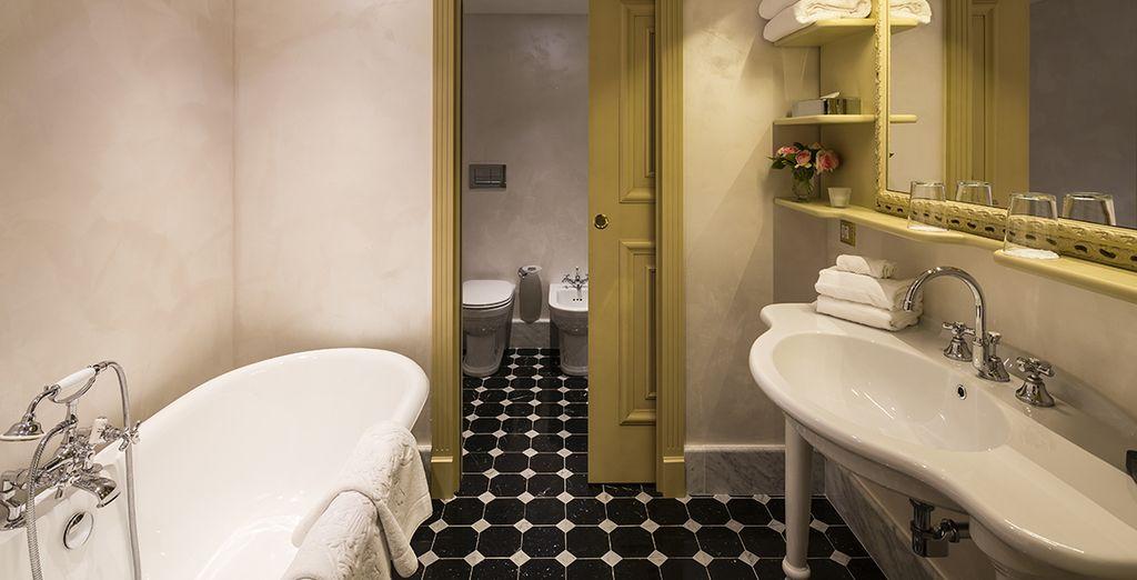 Équipée d'une salle de bain élégante