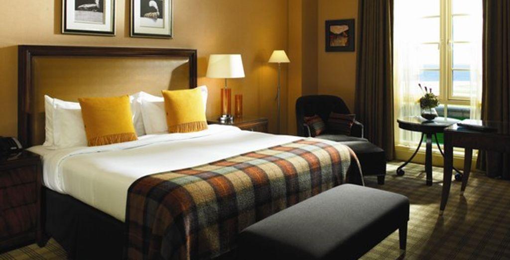 L'une des chambres à la décoration typiquement écossaise