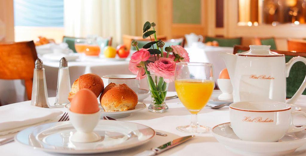 Savourez un petit-déjeuner copieux...