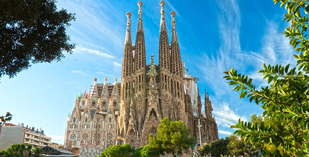 Etonnez-vous de l'architecture unique de la Sagrada Familia...