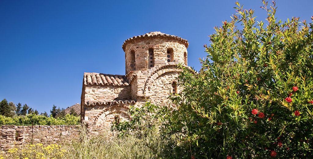 Pendant votre séjour découvrez des monuments historiques à Fodele...