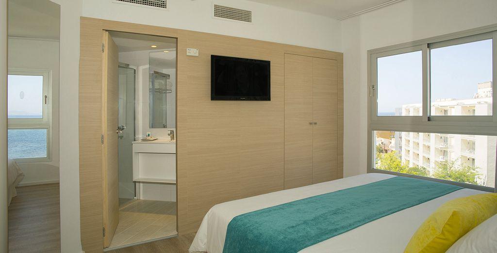 Vous découvrirez votre chambre Standard, un écrin de confort au charme moderne & coloré...