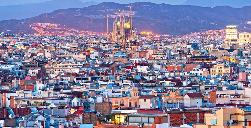 Partez ensuite découvrir Barcelone et la Sagrada Familia
