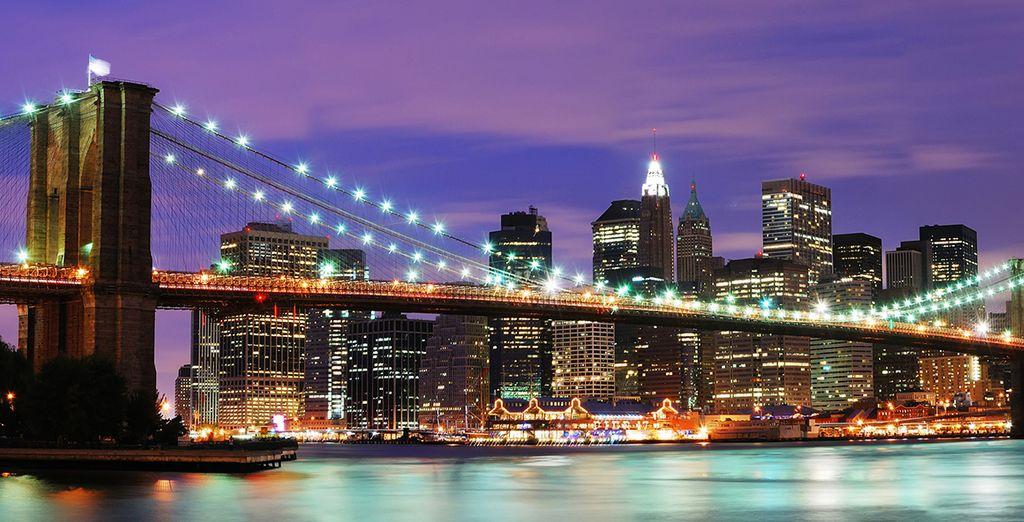 Appréciez la vue depuis le pont de Brooklyn