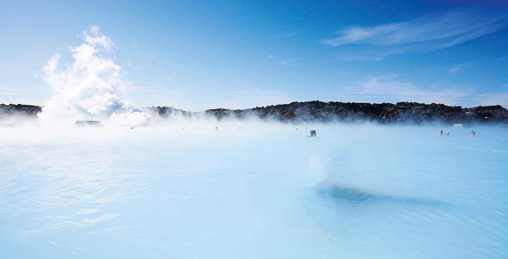 Avec ses eaux turquoise et laiteuses, l'Islande va vous enchanter !