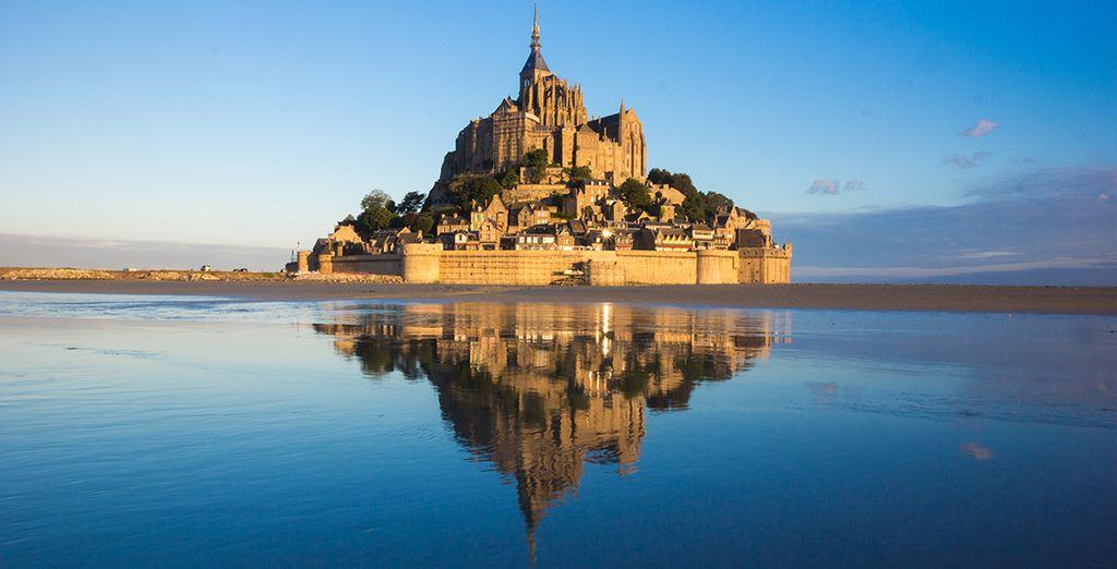 Enfin, poursuivez votre route jusqu'au Mont-Saint-Michel, l'emblème de la région...