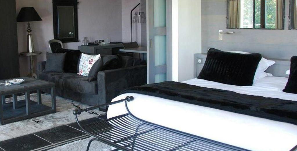 Hotel Annecy avec chambre deluxe et lit double et espace détente à Annecy