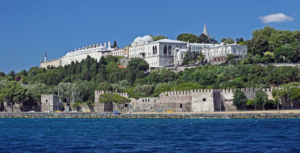 Vous pourrez admirer successivement le Palais Topkapi...