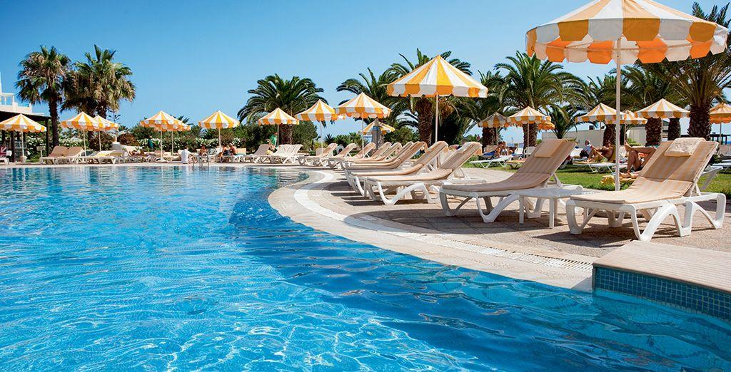 Rendez-vous à la piscine pour un moment de détente...