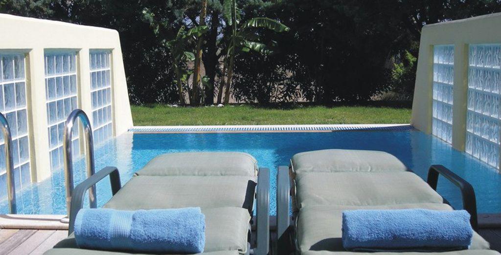 Et si vous tentiez la chambre Vue Jardin avec piscine privée ?