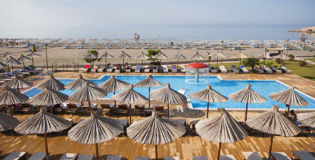 Hôtel 4 étoiles avec piscine extérieure chauffée et espace détente