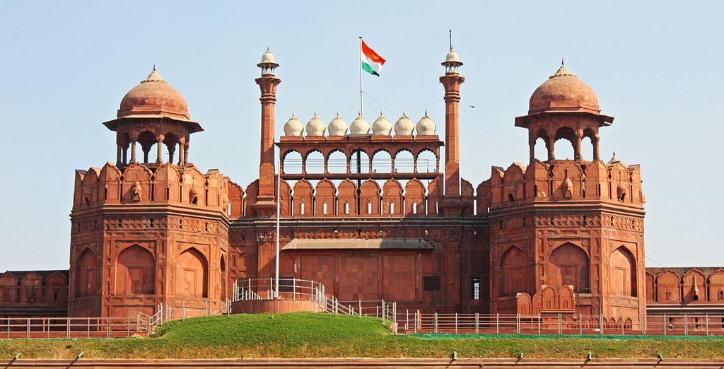 Votre voyage continuera en direction d'Agra et de son Fort Rouge, impressionnant par sa taille et sa couleur